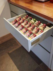 Kruidenla maatwerk keuken van hout