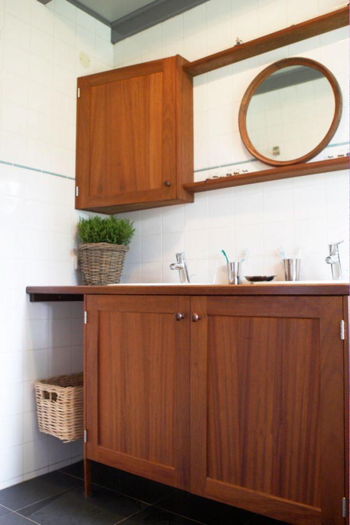 Badkamerkast Op Maat.Badkamermeubel Op Maat Houtwerk Hattem Meubel Keukenmakerij